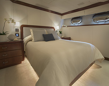 Travel Luxury Yachts And Fame Celebrities On Yachts