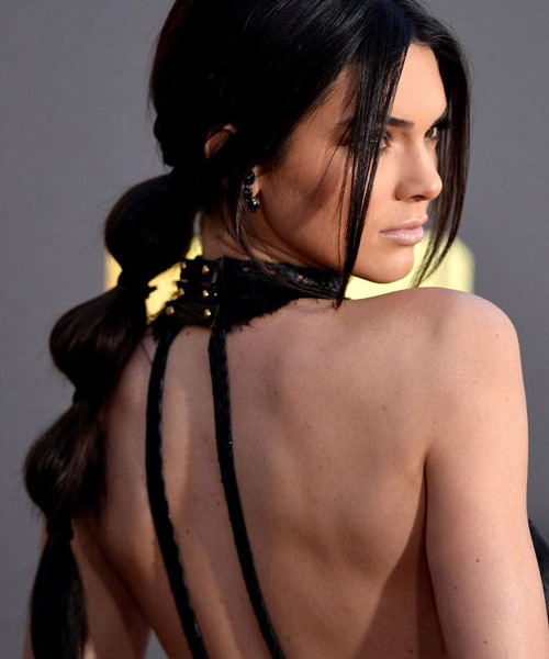 Kendall-Jenner-Bubble-Ponytail
