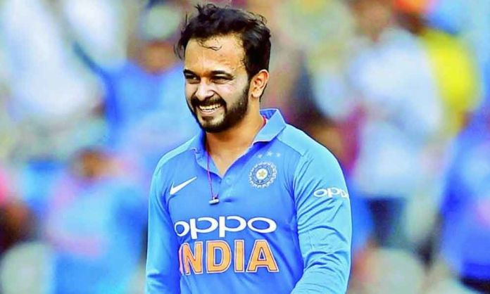 kedar jadhav income