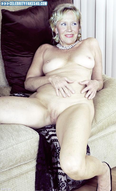 Nude agnetha
