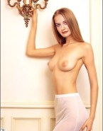 Alicia Silverstone Busty Topless Porn 001