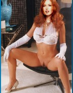 Alicia Witt Legs Spread 001