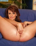 Amanda Tapping Horny Fingers Pussy Nudes 001