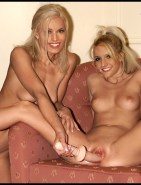 Jessica & Ashlee Simpson Dildo Sex Fake
