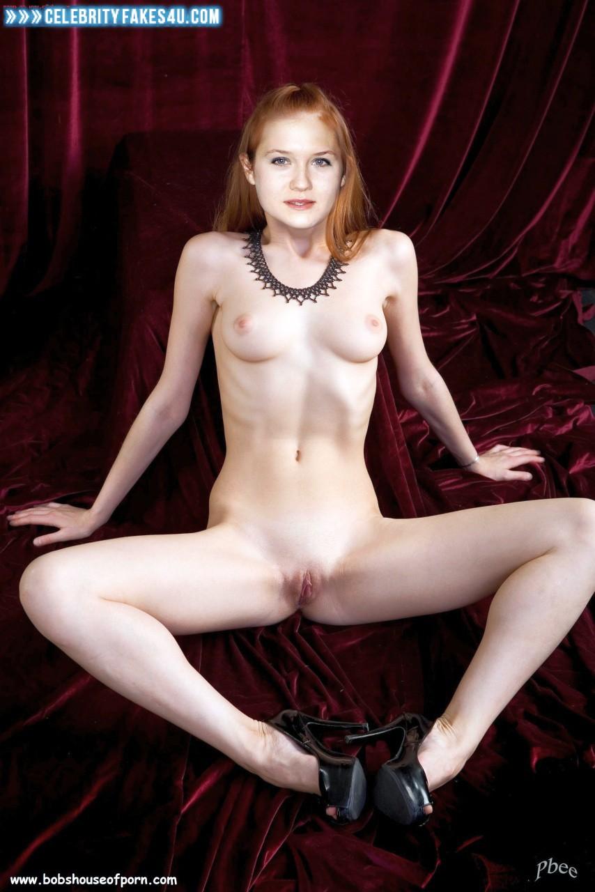 Bonnie Wright Latex Legs Spread Fake 001 -5783
