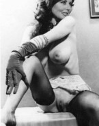 Carol Vorderman Busty Pussy 001