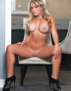 Carrie Underwood Busty Camel Toe Naked 001