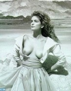 Cindy Crawford Breasts Outdoor Fake 001