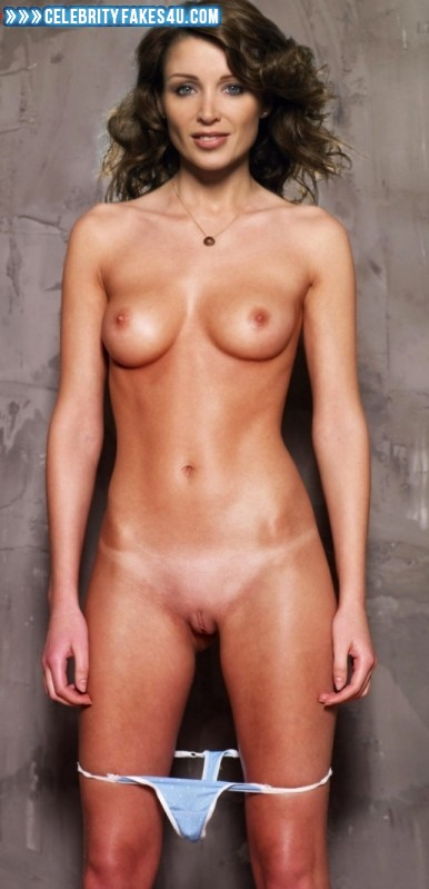emily blunt naked pics