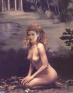 Debra Messing Nude 001