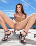 Elisabetta Canalis Spreads Legs Exposing Pussy Ass 001