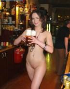 Emily Blunt Nudes Public 001