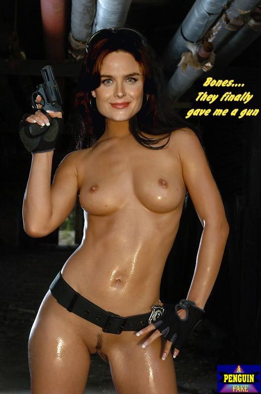 Emily deschanel sexy gifs nude — pic 12