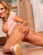 Emily Osment Spreads Cheeks Ass Porn 001