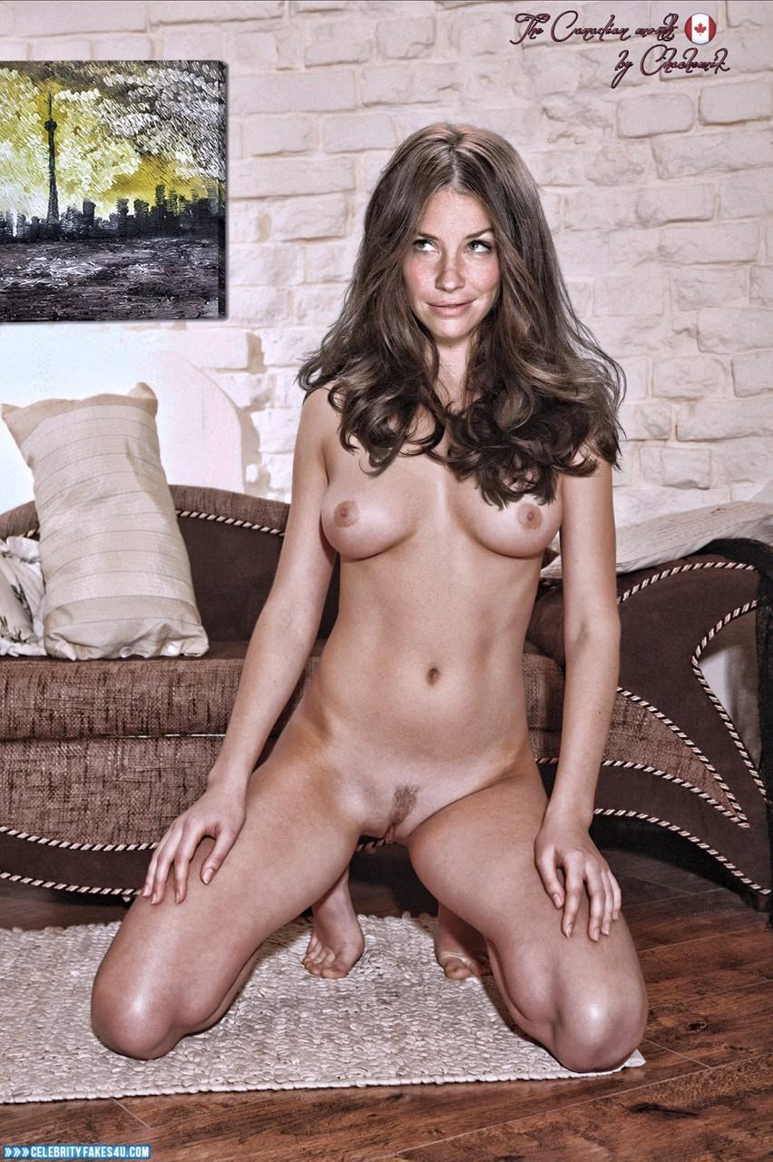 Pair or nude girls