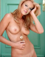 Hilary Duff Pantieless Naked Body 001