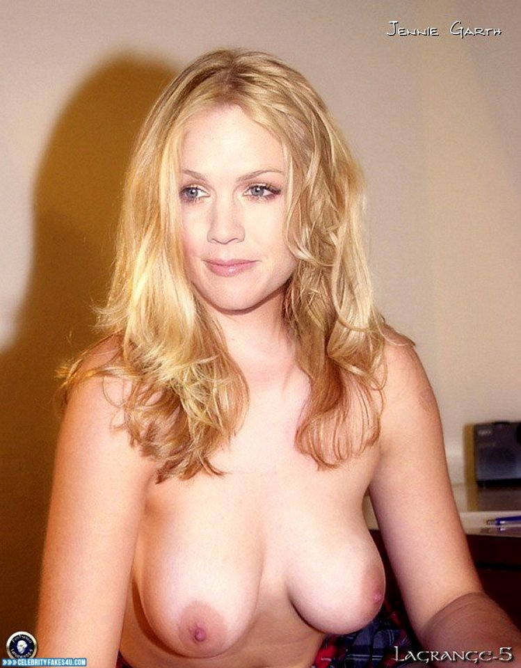 jennie garth topless
