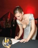 Jennifer Garner Nipple Slip Public Nudes 001