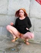 Karen Gillan Pissing Upskirt Pussy Porn Fake 001