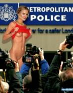 Kristen Bell Exposes Her Boobs Public Nsfw 001