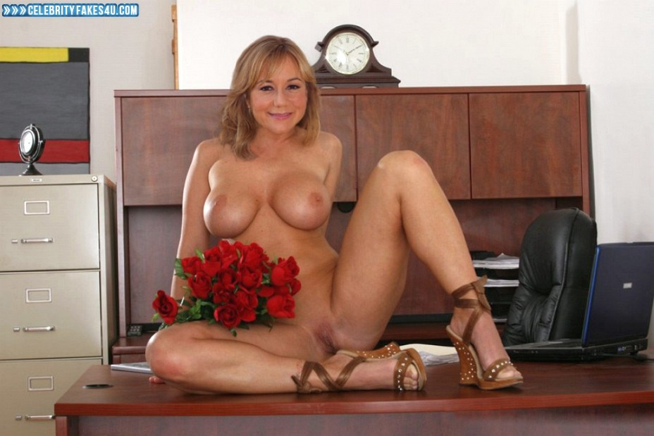 Megyn Price Fake, Nude, Pussy, Tits, Porn