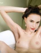 Natalie Portman Breasts Bath 001