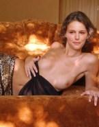 Natalie Portman Undressing Topless Nudes 001