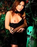 Nicole Scherzinger Breasts 001