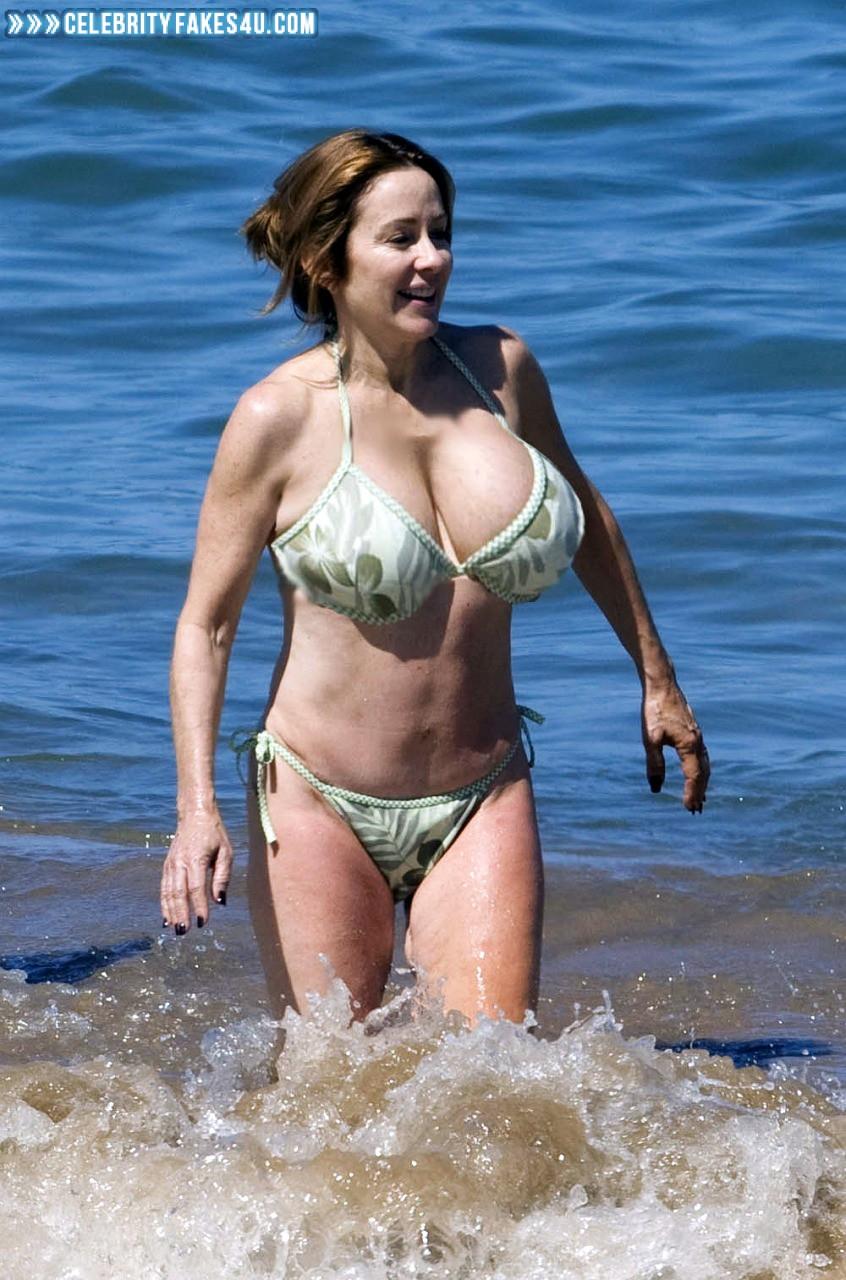 Big Tits Beach Voyeur