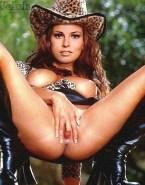 Raquel Welch Fingers Pussy Nsfw 001