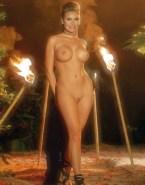 Raquel Welch Nude Sexy Athletic Body 001