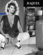 Raquel Welch Panties To The Side Peeing Porn 001