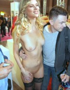 Scarlett Johansson Breasts Public Naked 001