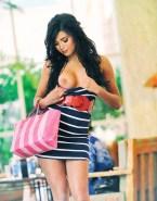 Selena Gomez Flashing Tits Public Fake 001