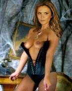Victoria Beckham Lingerie Exposing Her Tits Naked 001