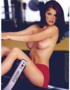 Yasmine Bleeth Tits 001