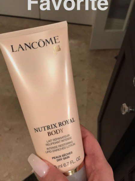 Nicole Guerriero, Lancome Nutrix Royal Body Lotion (Snapchat January 2017)