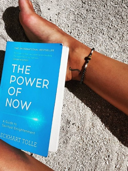 Georgia May Foote, Eckhart Tolle The Power of Now book (Instagram January 14, 2017)