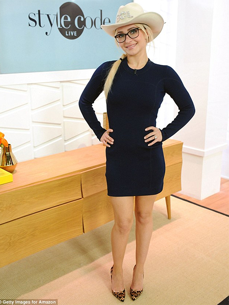 Hayden Panettiere in 3.1 Phillip Lim Longsleeved Knit Dress at Style Code Live (Jan 4, 2017)