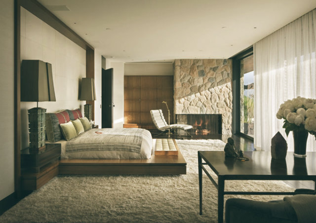 jennifer-aniston-1970s-remodel-beverly-home-for-sale-master-bedroom-2