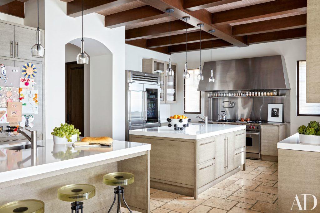 Celebrity Homes Khloé and Kourtney Kardashian Dream Homes in California (5)