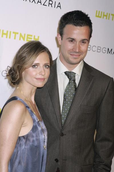 Sarah Michelle Gellar and FreddiePrinze