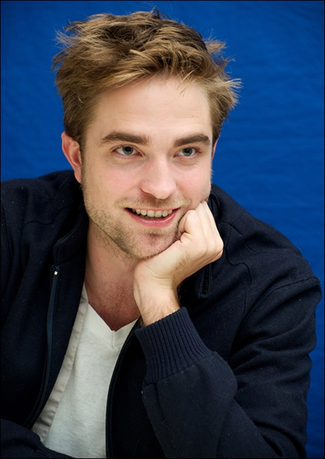 Robert Pattinson Favorite Color Food Book Football Team ... Robert Pattinson