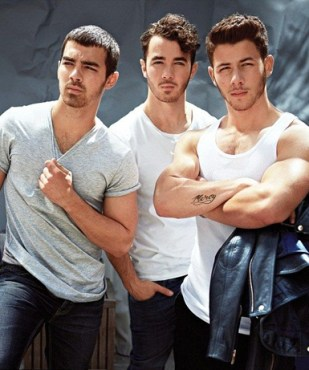 Kevin Jonas Biography