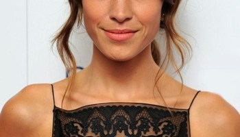 Alexa Chung Favorite Designers Movies Food Stores Biography