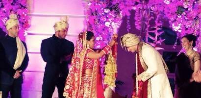 Salman Khan Sister Arpita and Aayush Sharma Wedding Dress Pictures
