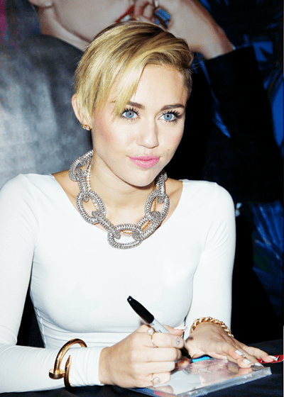 Miley Cyrus Body Measurements Bra Size Weight Height Shoe ... Miley Cyrus