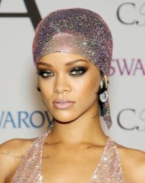 Rihanna Body Measurements Bra Size Height weight Shoe Stats