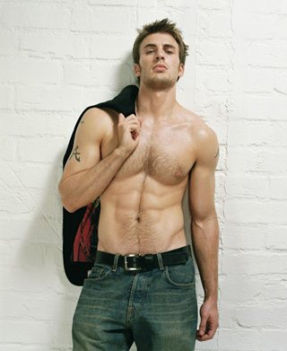 Body Measurements of Chris Evans with Height Weight Shoe ...