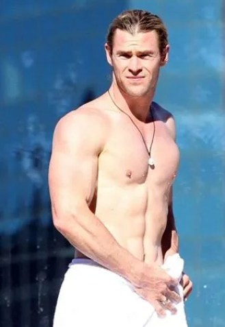 Chris Hemsworth Height Weight Body Shape